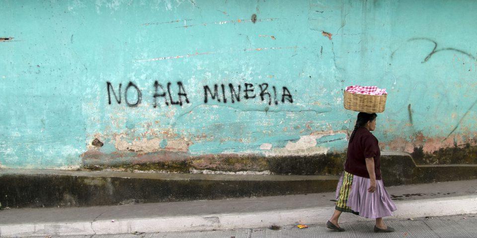 Mettre fin aux abus des multinationales sur les droits des femmes